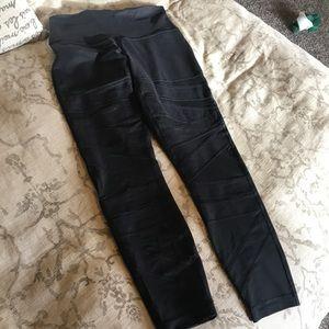 Size 6 Lulu pants